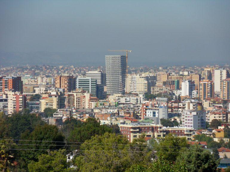 Tirana- palluar në beton